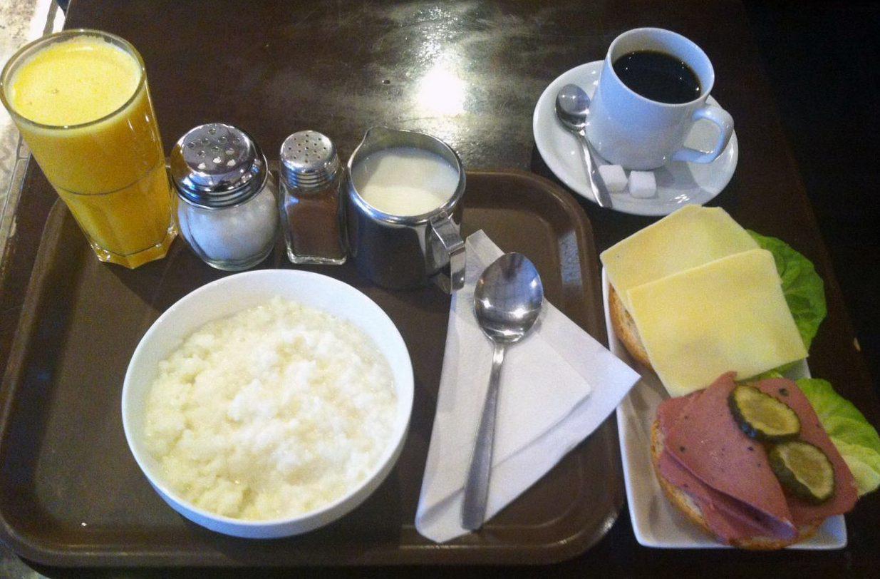 Traditionell svensk frukost
